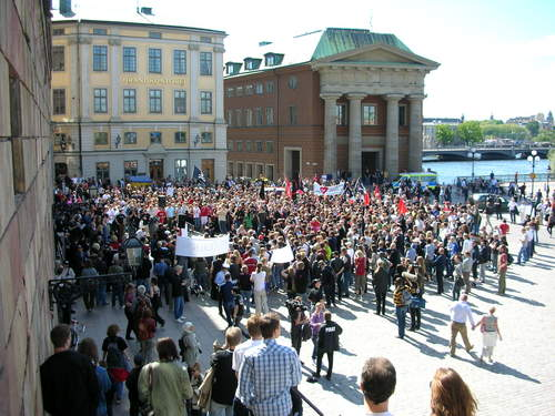 Protestation à Stockholm contre la saisie des équipements de The Pirate Bay