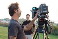 Un caméraman, Miguel et une (grosse) caméra