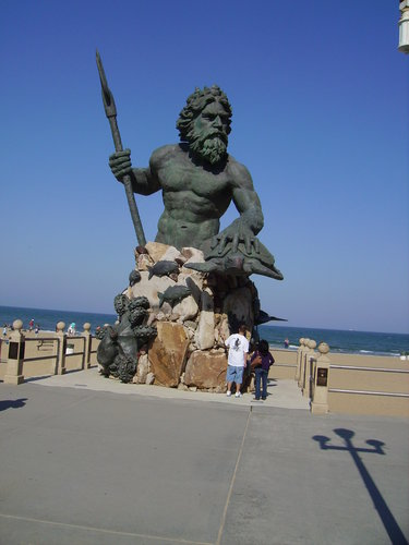 Neptune sur la plage de Virginia Beach